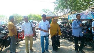 Didampingi Sang Istri, Pak Tris Pinggiran Lawatan Ke DPC Demokrat