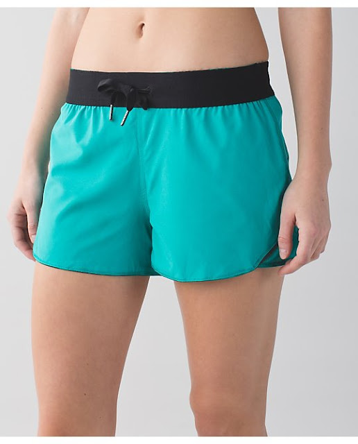 lululemon-up-the-distance-short cosmic-teal-clouded-dreams