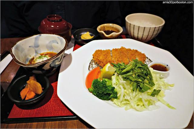 Teishoku del Restaurante Japonés Ootoya en Chelsea, Nueva York