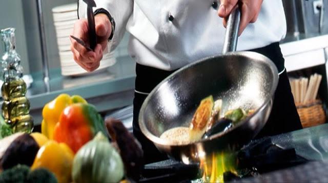 Ζητείται μάγειρας από ουζερί - μεζεδοπωλείο στο Τολό