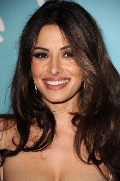 Sarah Shahi  All about fashion hairstyles and beauty sides
