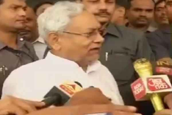 nitish-kumar-slammed-media-for-blowing-issue-out-of-proportion