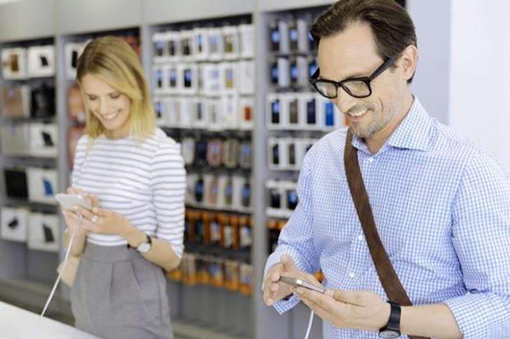 Ketahui 7 Tips Beli Smartphone Baru Pakai Uang THR