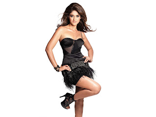 Ileana DCruz in black color top cloth