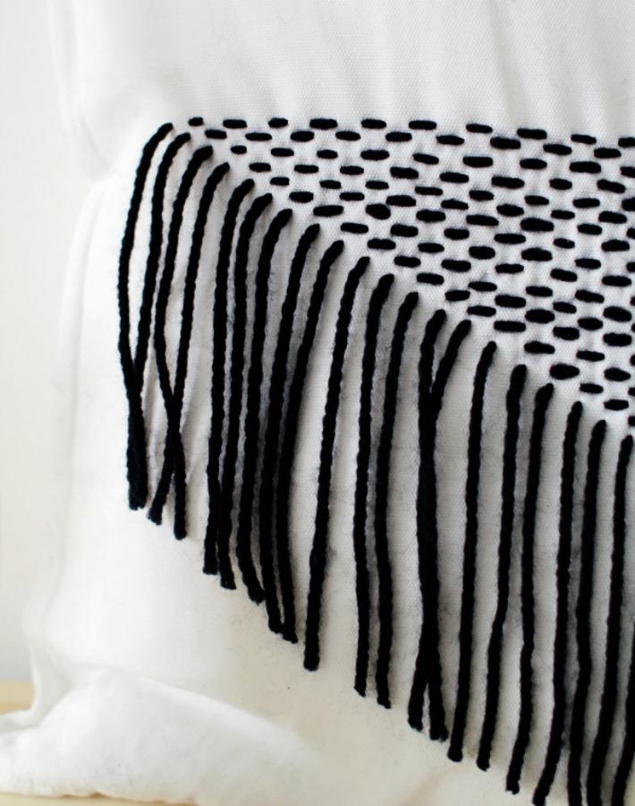 Diy cojín decorado con hilos de lana