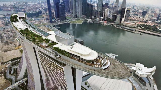 Wisata iconic Singapura di Marina Bay Sands Skypark