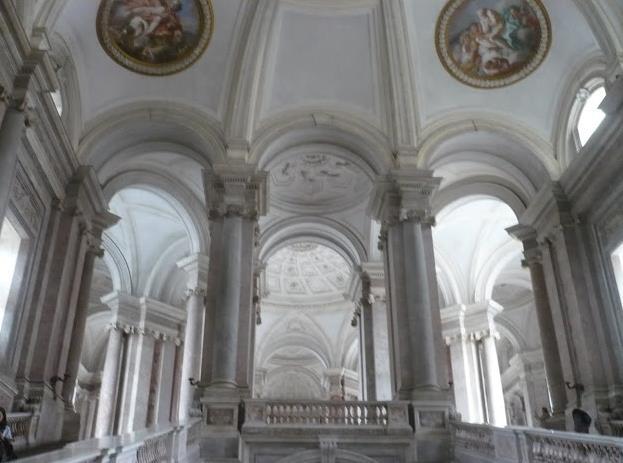 scalone monumentale della Reggia di Caserta