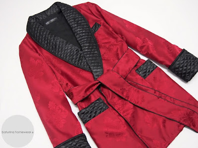 mens english smoking jacket cigar smoker robe black and red quilted silk soft warm luxury dressing gown dapper dandy english gentleman british style traditional