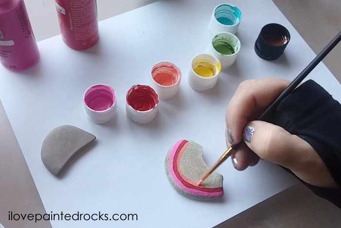Easy St Patrick's DAy rainbow craft painted stones