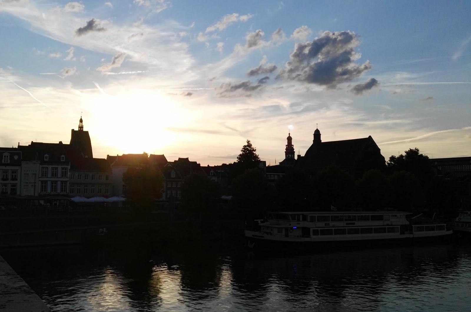 pont Sint Servaas coucher soleil Maastricht