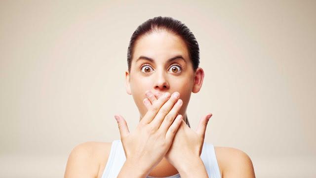 Bukan Hanya Malas Untuk Gosok Gigi, Ternyata Inilah 10 Penyebab Bau Mulut