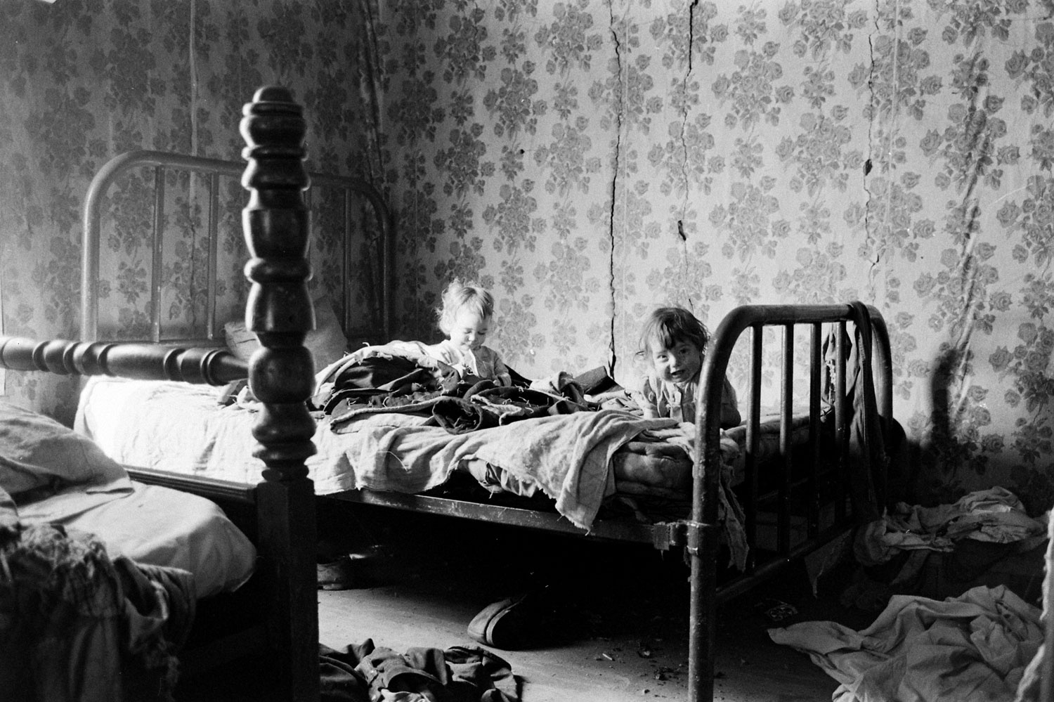 USA - Valley of Poverty: Eastern Kentucky's Everyday Life in the Early 1960s (Many Photos)