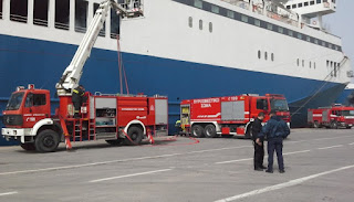 Ασκήσεις διάσωσης επιβατών πλοίου με επιτυχία