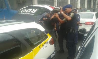 Equipe RDO conduz motorista de táxi a delegacia após atropelamento