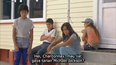 Bocah Pecinta Michael Jackson | Review BOY (2010), scence film boy 2010, james rolleston dance michael jackson, boy dance michael jackson to chardonnay, boy and chardonnay, boy love chardonnay