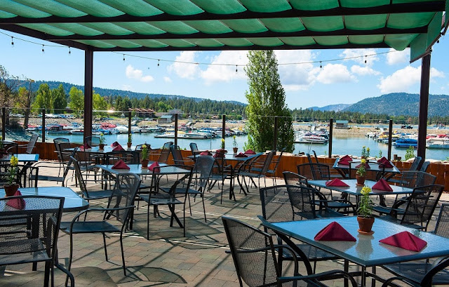 Restaurante The Pines Lakefront em Big Bear Mountain
