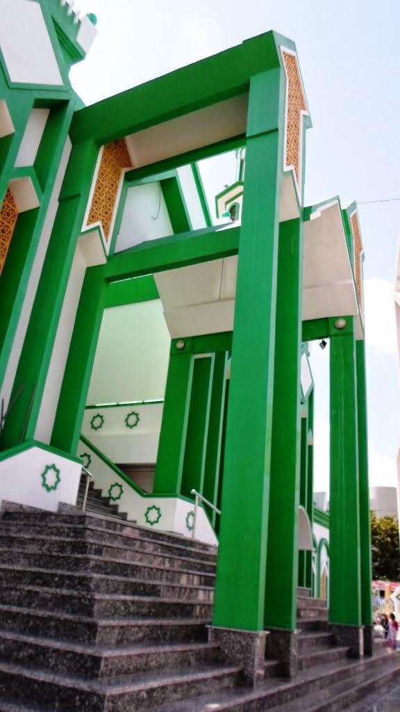 gerbang masjid raya singkawang