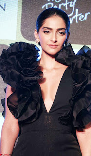 Sonam Kapoor in a Beautiful Stunning Black Dress at The Party Starter Anthem launch 3rd March 2017 02.jpg