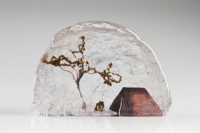 Paisajes cotidianos en miniatura encapsulados en vidrio por Jenny Ayrton