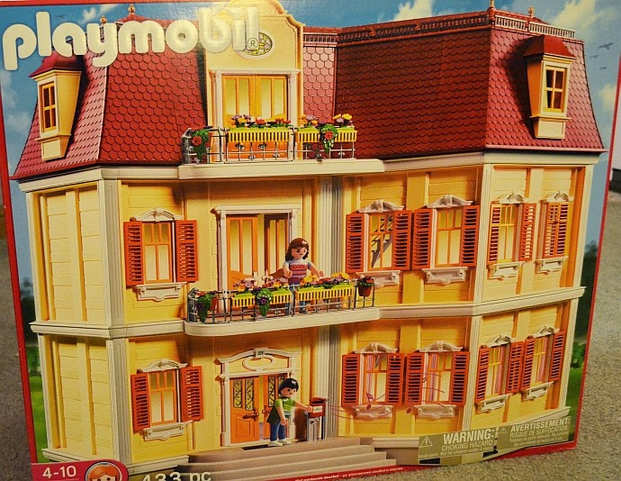 ♥Super Fun 'n Useless Judgements♥: Playmobil Large Grand Mansion