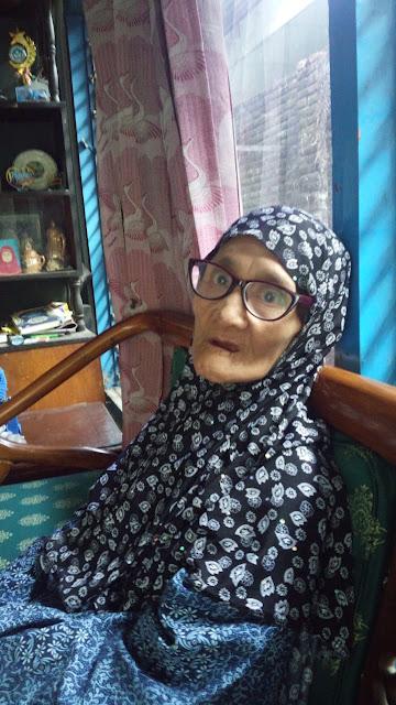 Catatan Harian Medampingi Ibu: Syukur Hari Ini - Ibu Subuhan di Masjid