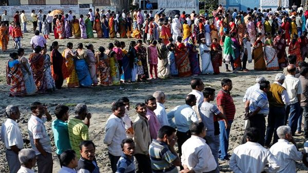 Inician en la India los comicios con más votantes del mundo