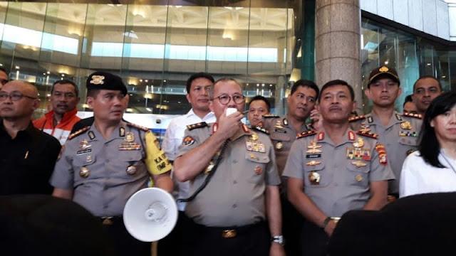 Polisi Pastikan Rubuhnya Balkon Lantai 1 Gedung Bursa Efek Indonesia, Bukan Karena Bom