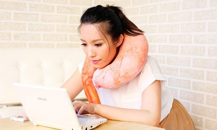 Ternyata Orang Jepang Suka Tidur Dengan Udang Raksasa ..!