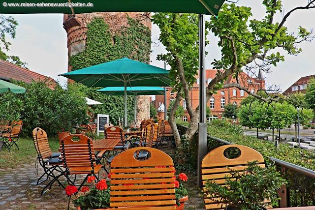 Terrasse vom Restaurant alter Amtsturm in Lübz