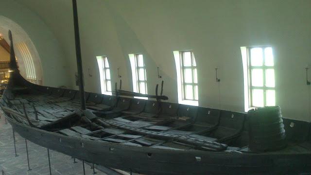 Barco Oseberg en el Museo de los Barcos Vikingos (Vikingskipshuset)