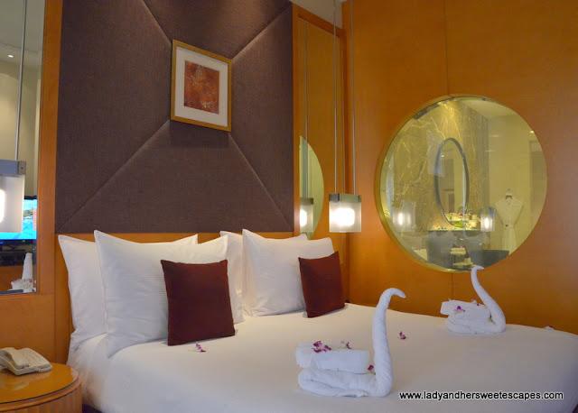 Al Raha Beach Hotel deluxe room