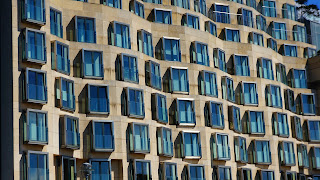 https://pixabay.com/es/viviendas-fachada-2789569/