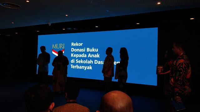 #BukuUntukIndonesia