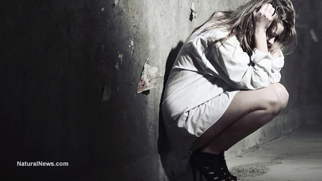 Hình ảnh tuyệt vọng trong cuộc sống cô đơn chán chường