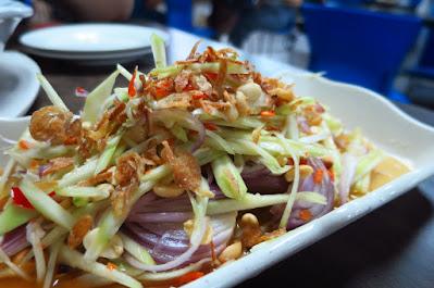 Dee Tongue Thai by Rung Mama, mango salad