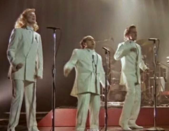 videos-musicales-de-los-80-billy-ocean-when-the-going-gets-tough-katherine-turner-dani-de-vito-michael-douglas