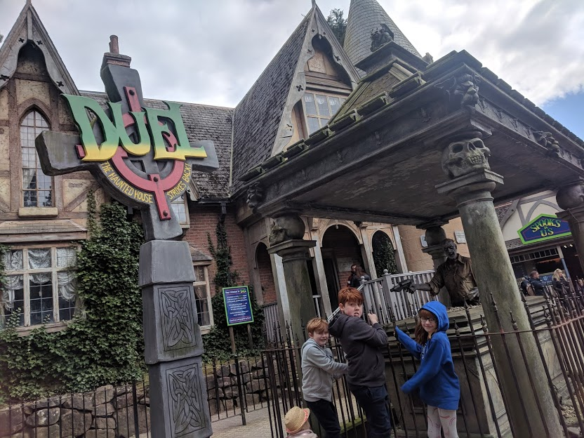 Visiting Alton Towers with Children who are 1.3m Tall - Itinerary & Tips  - Dual Haunted House
