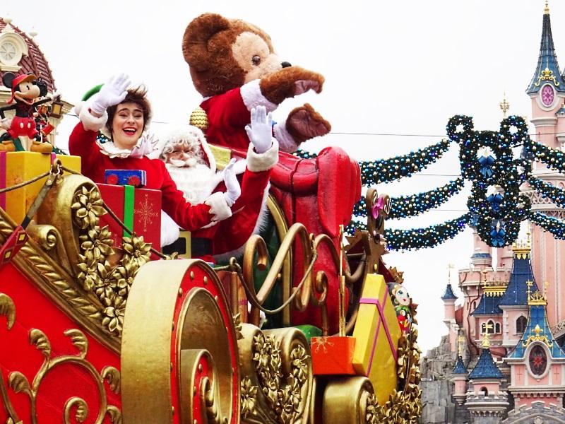 Le père noël est à Disneyland Paris