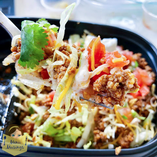 Turkey Taco Salad Lunch Bowls (meal prep) _menumusings.com