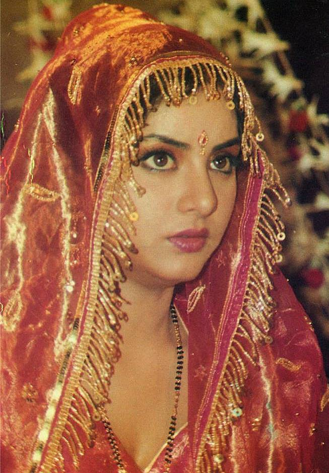 Photos Of Divya Bharti In Wedding Dress