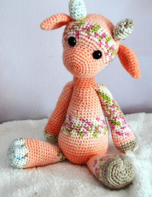 Emily the Giraffe Modification Amigurumi - Crochet Pattern