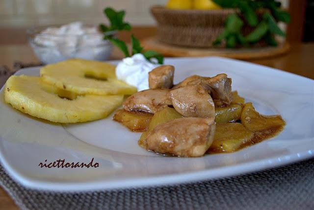 Bocconcini di pollo e ananas