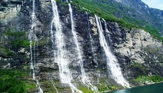 Tres Hermanus Falls