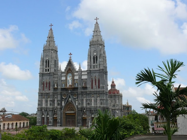 Top 8 churches in Nam Dinh attract tourists 6