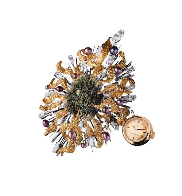 Đồng hồ Omega nữ Moldavita
