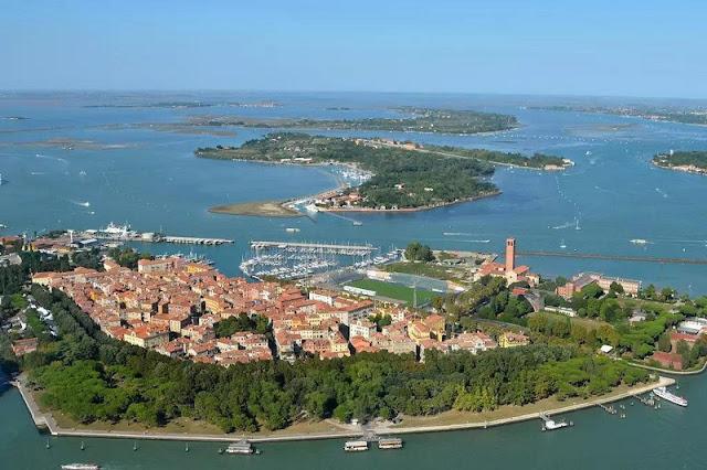 Vista aérea da ilha de Sant'Elena em Veneza