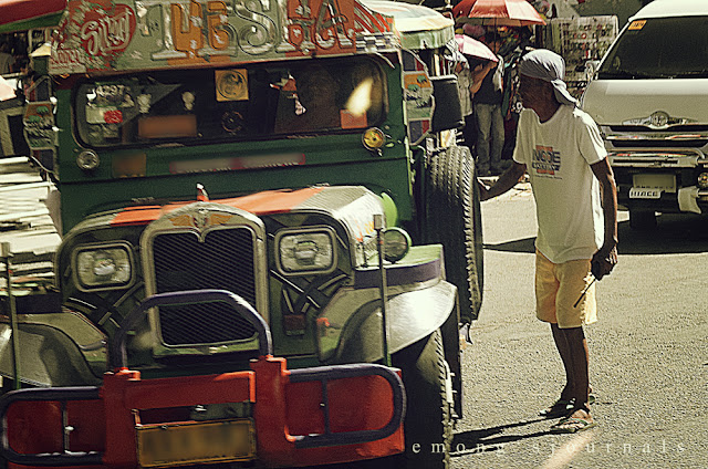 Riding the jeepney in Manila - how to do it right