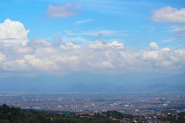 pemandangan kota bandung dari ketinggian