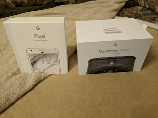 Pixel XL and Daydream View product boxes.