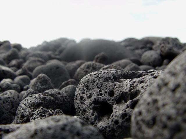 Misteri Hubungan Gunung-Gunung Di Jawa Dengan Pantai Selatan - Batu Merapi